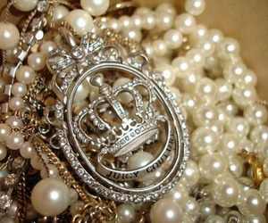 juicy couture, pearls, and crown image