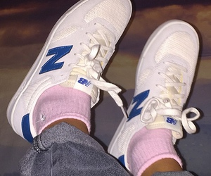 tumblr, new balance, and pink image