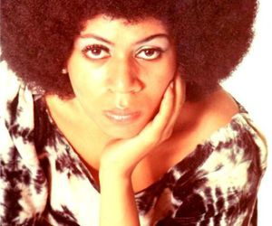 Minnie Riperton and afro hair image