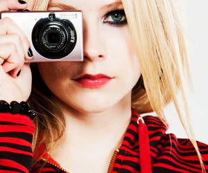 Avril Lavigne and Queen image