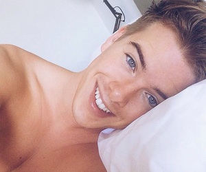 cute boy, morning, and youtuber image
