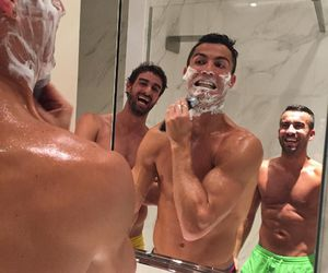 cristiano ronaldo, real madrid, and instagram image