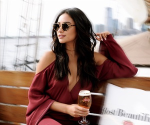 shay mitchell and shaym image