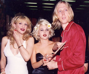 Courtney Love, drew barrymore, and 90s image