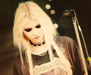 girl, Taylor Momsen, and rock image