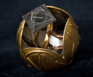 golden snitch, harry potter, and the golden snitch image