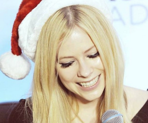 Avril Lavigne, christmas, and smile image