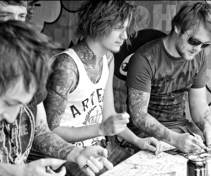 asking alexandria, ben bruce, and boy image