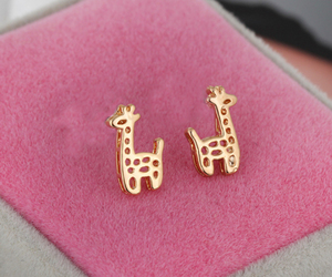 earring, fashion, and fashionable image