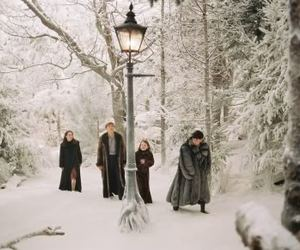 narnia, lucy pevensie, and edmund pevensie image