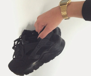 black, huarache, and nike image