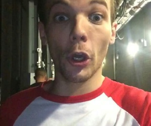 louis tomlinson, one direction, and snapchat image