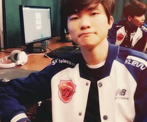 korean, lol, and faker image