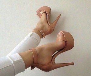 fashion, zapatos , and girl image