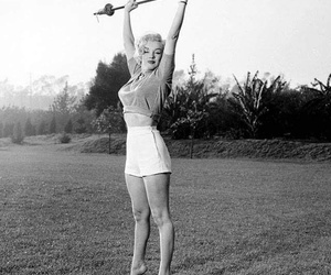 Marilyn Monroe, black and white, and strong image