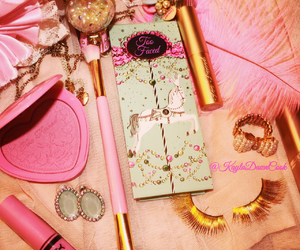 betsey johnson, dream closet, and eyelashes image