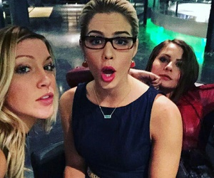 arrow, katie cassidy, and willa holland image
