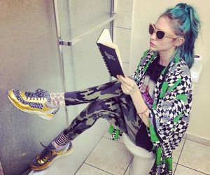 grimes, visions, and claire boucher image