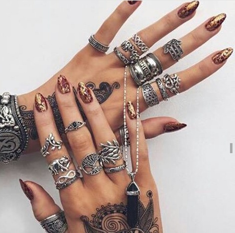 henna, style, and acessories image