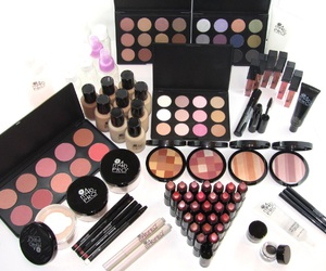 makeup, lipstick, and beauty image