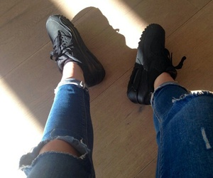 shoes and kylie jenner image