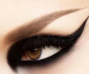eyeliner, makyaj, and siyah image