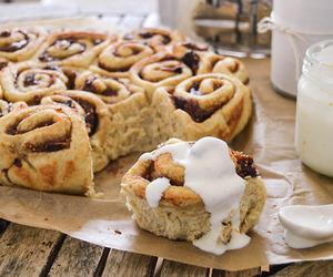 food, yummy, and Cinnamon image