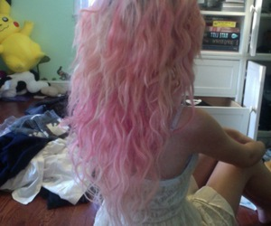 hair, pink, and daughterofhungryghosts image