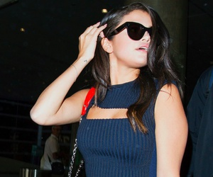 airport and selena gomez image