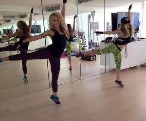dance and shakira image