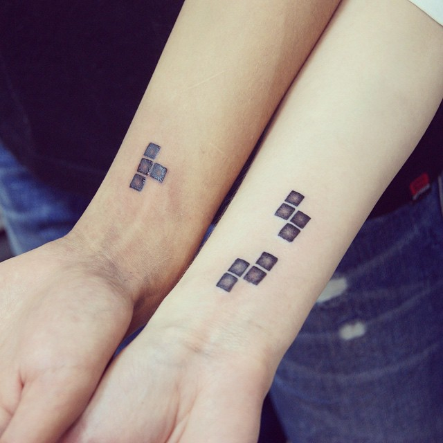 15 Couples Matching Wedding Tattoos Visually Honoring Their