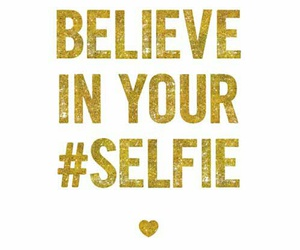 life and selfie image