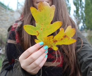 girl, tumblr quality, and leaves image