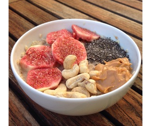fig, morning, and oatmeal image