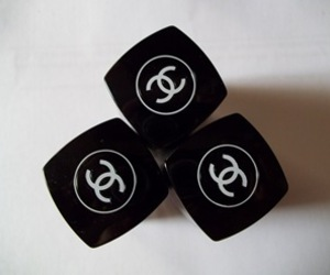 chanel and vernis image