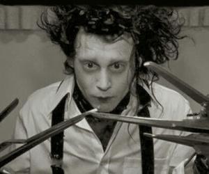 edward scissorhands, johnny depp, and black and white image
