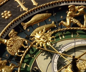 clock and gold image