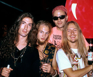 alice in chains, layne staley, and mike starr image