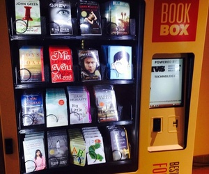 books, paper towns, and books rule image