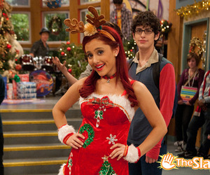 ariana grande and victorious image