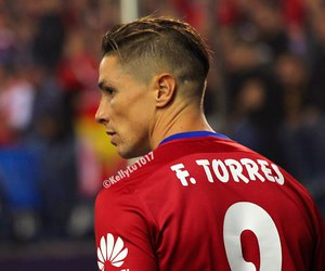 fernando torres, atletico madrid, and foodball image