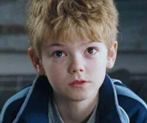 thomas sangster, thomas brodie-sangster, and thomas sangster icon image