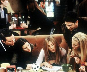 Courteney Cox, Lisa Kudrow, and rachel green image