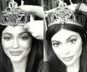 kylie jenner, lips, and Queen image