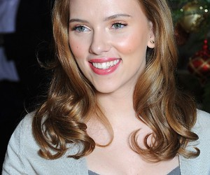 Hot, sexy, and scarlett image