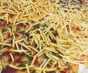 pizza, foodporn, and pizzadelivery image