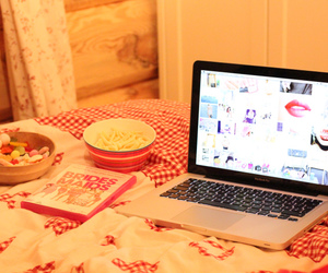 apple, beautiful, and bedroom image