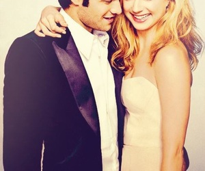 revenge, emily vancamp, and couple image