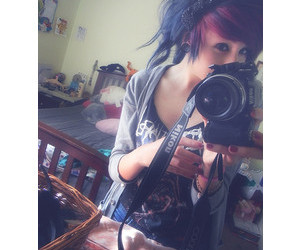 photo, pink hair, and scene girl image