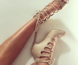 heels and fashion image
